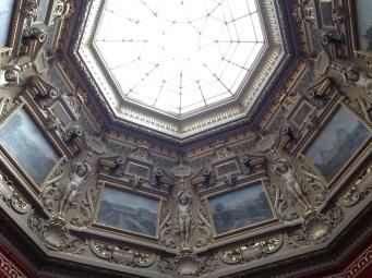 Plafond d'une des salles des peintures