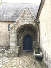 Reste du porche méridional amputé par la chapelle sud /cultivetaculture