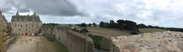 Vue panoramique depuis les hauteurs du logis ouest /cultivetaculture